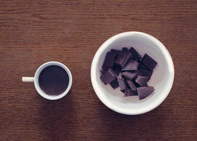 chocolate con triptófanos serotonina la hormona de la felicidad